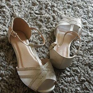 Link silver peettoe girls sandal size 3